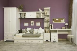Детская мебель в классическом стиле в светлых тонах