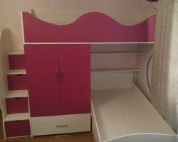 Детская двухъярусная кровать со ступеньками