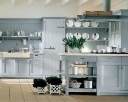 Серая кухня для частного дома